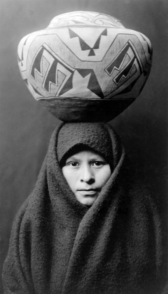341px-Zuni-girl-with-jar2.png